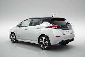 nissan leaf apple carplay new nissan leaf does electric better video cars co za