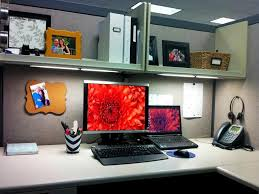 Decorating Desk For Christmas Kickle Cubicle For Christmas House Design And Office Considering