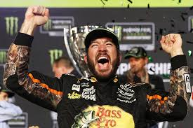 truex near win at daytona leaves stinging feeling