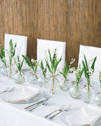 Long Vase Centerpieces by Best 25 Small Vases Ideas On Pinterest Bright Flowers Small