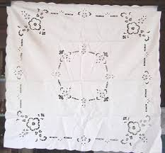 what size tablecloth for card table 334 best vintage tablecloths images on pinterest classic