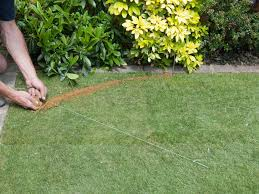 How To Build A Putting Green In My Backyard How To Shape A Lawn Or Garden Space Diy