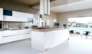 hotte de cuisine blanche hotte moderne cuisine affordable lot cuisine moderne blanc comptoir