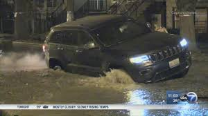 jeep water water main break creates mess in bucktown abc7chicago com