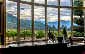 Crater Lake Lodge Dining Room Travel Southern Oregon Winter Recreation In Southern Oregon