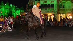 the headless horseman rides at mickey u0027s not so scary halloween
