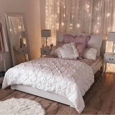 pretty bedroom lights lumières tombant sur rideaux decor pinterest cozy room cozy