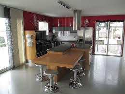 grande cuisine avec ilot central cuisine avec ilots central trendy cuisine en bois avec ilot
