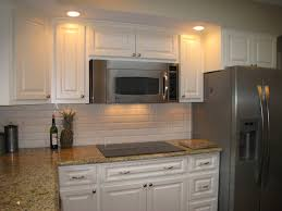 same color counter top but with white backsplash decorating