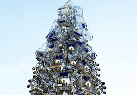 this towering tree is made of 86 shopping carts