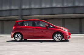 nissan versa 2015 youtube refreshing or revolting 2017 nissan versa note motor trend