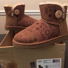 ugg boots for sale size 5 ugg sale ugg mini bailey button sun logo size 5 from
