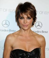 insruction on how to cut lisa rinna hair sytle lisa rinna lisa rinna at veronica mars premiere in hollywood