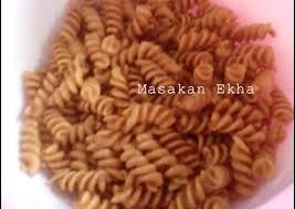 cara membuat makroni cikruh resep makaroni pedas asin oleh syahriani ekha cookpad