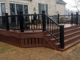 Backyard Deck Pictures by Best 25 Deck Railing Design Ideas On Pinterest Deck Railings
