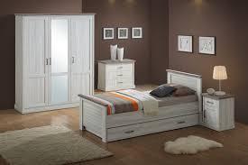 chambre marron chambre enfant contemporaine chêne clair marron solange ii chambre