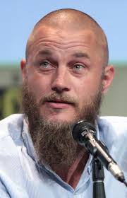 what is going on with travis fimmels hair in vikings travis fimmel travis pinterest travis fimmel and ragnar