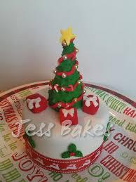 D Christmas Tree Cake - christmas jess bakes