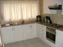 Closed Kitchen Kitchen Design How To Make Do It Yourself Built In Kitchen