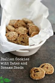 italian date cookies with sesame seeds biscotti ai datteri