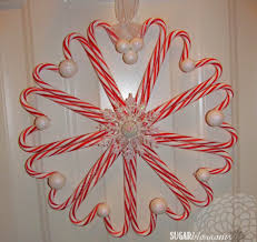 this frozen inspired candy cane wreath is a simple craft even kids