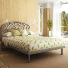 Bed Frame Metal Queen by Bedroom Metal Queen Size Bed Frames With Rug And Chic Table Lamp
