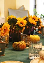 Easy Thanksgiving Table Decorations Gorgeous And Awesome Thanksgiving Table With Flower Decorations