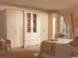 bedroom bespoke built in fitted wardrobe mirrored