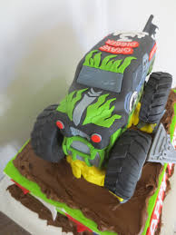 2014 monster jam trucks gravedigger monster truck cake byrdie custom cakes