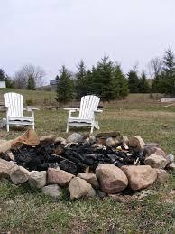 Fire Pit Rocks by Best 20 Farmhouse Fire Pits Ideas On Pinterest Farmhouse Deck