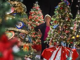 festival of lights riverside 2017 20th annual festival of trees at riverside theatre in vero beach