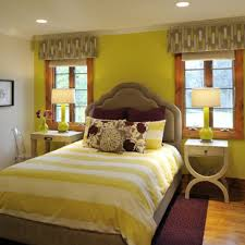 17 yellow bedroom wall theme design with appropriate decor ideas