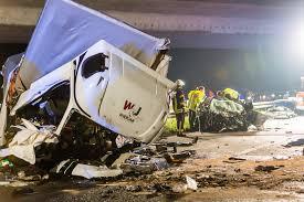 Jugendfeuerwehr Wiesbaden112 De Drei Tote Bei Schwerem Unfall Klein Lkw Als Geisterfahrer Auf Der