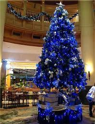 Large Blue Christmas Decorations by 99 Best Colorful Christmas Trees Images On Pinterest Xmas Trees