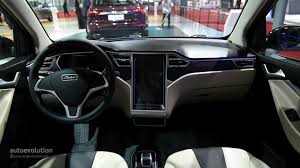 Tesla Minivan Zotye E30 Ev Shoves A Tesla Model S Dashboard Inside A Smart