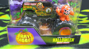 monster truck jam youtube monster jam grave digger halloween 2014 youtube