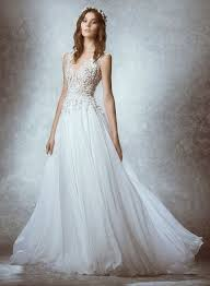 flowy bridesmaid dresses best 25 flowy wedding dresses ideas on wedding