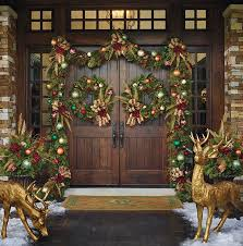 Decorate Outside Entryway Christmas by 74 Best Christmas Outdoor Decor Ideas Images On Pinterest