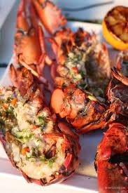 cuisiner un homard vivant homard grillé au rhum brun et piment kedny cuisine
