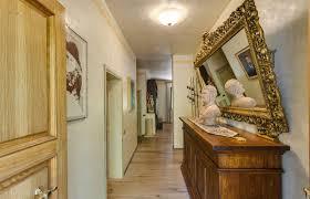 salle de bain style romain hébergements villa carolina