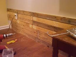 diy scrap pallet plank wall poppytalk