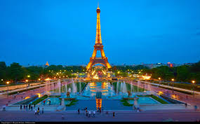 the magnificence of eiffel tower will make your travel to paris a