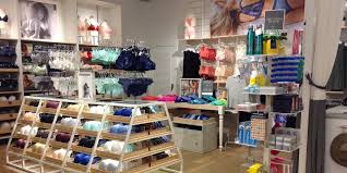 Cheap American Eagle Clothes American Eagle Outfitters Is One Of The Best Retail Stocks You