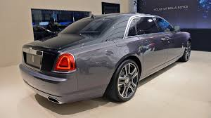 roll royce diamond say hello to the rolls royce ghost that has 1 000 crushed diamonds