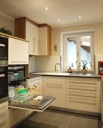küche cremefarben herrmann küche aus kernbuche furniert