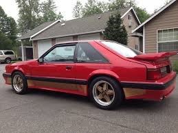 Mustang Red And Black Red And Gold Hatchback 90 0204 Hits Ebay