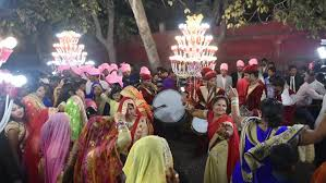indian wedding band agra india 25 february 2018 a marching wedding band and men
