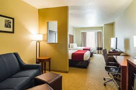 Comfort Suites Seaworld San Antonio Comfort Suites North Ih 35 Hotel In San Antonio Tx