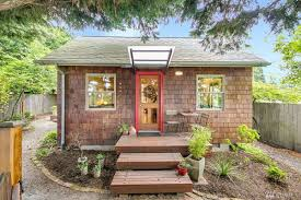 a 1906 beacon hill bungalow lists at 550k curbed seattle
