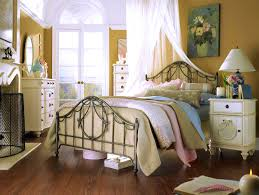 bedroom good looking country cottage bedroom decorating ideas
